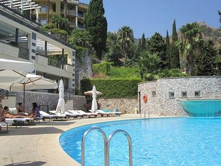 Apartment***** in Taormina with Pool & View