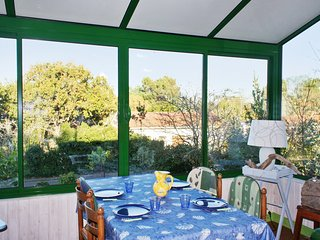 Family-friendly house in a coastal resort on the Medoc peninsula, near Atlantic Ocean beaches & golf, Le Verdon Sur Mer