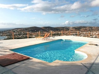 Cycladic-style villa on Paros with 3 bedrooms, sunny terrace, shared swimming pool and sea views