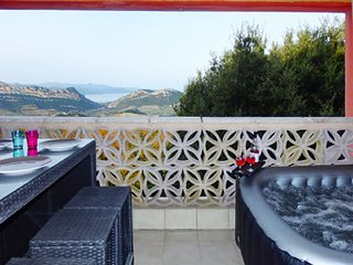 Stylish apartment in Barbaggio, Upper Corsica, w balcony, sea- & mountain views, 4km from Patrimonio with Jacuzzi !