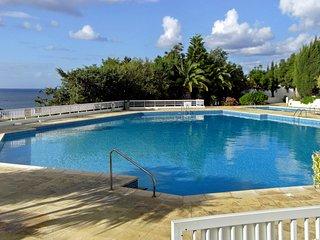 Sea-view flat w pools, 50m to beach