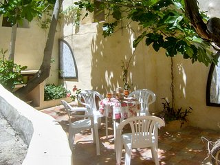 Medieval townhouse in a picturesque village in northwest Murcia, w/ patio & delightful country views, Moratalla