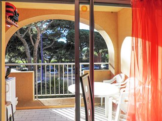 Studio w balcony, 150m from beach!
