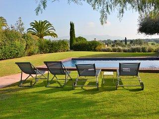 Villa Golf Sitges Vue incroyable. High Design. Plein Pied. Grande Comodité.