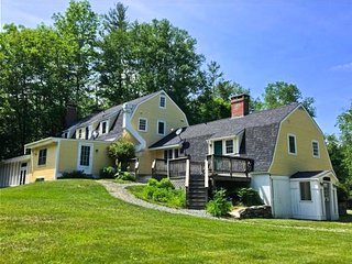 Blue Door Farm; 5BR/7B - SKI! 4mi. to Bromley, 5mi. to Magic, 14mi. to Stratton., Peru