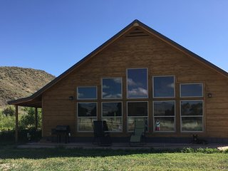 Cozy Cabin in Hyattville, WY