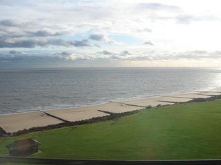 Exceptional Views, sleeps 8, 2wc's, Frinton-On-Sea
