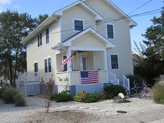 Oceanside 5 Bedroom House Heart of Beach Haven