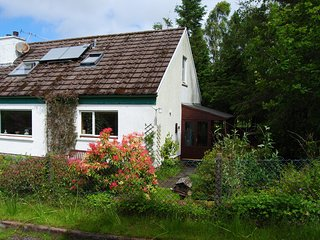 Easternmost Cottage: cosy, spacious, wildlife-rich, Acharacle