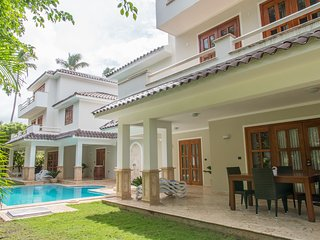 VILLA B, LUXURY PRIVATE POOL&BBQ, RESIDENTIAL LOS CORALES, ONLY $400 APRIL 2018!