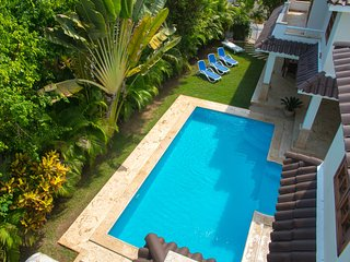 LUX VILLA GEMELA B, 3 BR, PRIVATE POOL,MAID,BBQ;LOS CORALES BEACH!