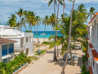 LUXURY VILLA PENTHOUSE, 2 FLOORS,OCEAN VIEW, POOL, LOS CORALES! ONLY $199 JULY!