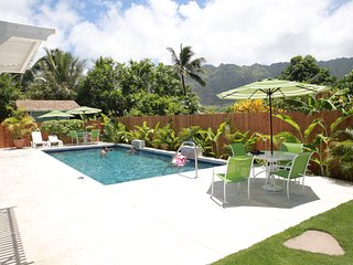 One bedroom apartment steps from beach, sleeps 2-4, Waimanalo