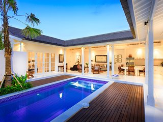 Escape to the BEACHHOUSE at Berawa Beach Canggu