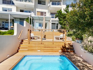 Sea Escape, Camps Bay