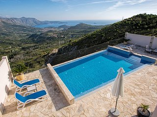 Luxury Villa Goja with private infinity pool near Dubrovnik