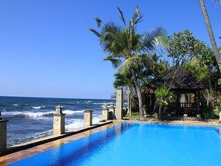 The Ning Beachfront Villa Bali (ROOM)