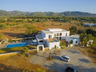 Stunning Ibiza style villa 7 bedroom swimming pool, Sant Carles de Peralta
