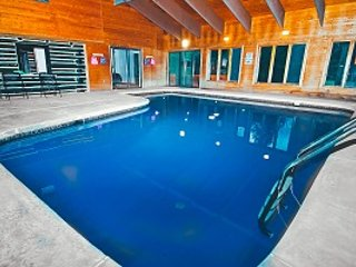 Bushkill Lodge, holiday rental in Sandy Hook