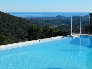 Heated Pool, Sea View Cannes Bay, Close to the Sea Side, C Air, Tennis Court