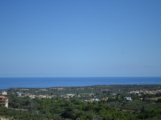 semi detached bungalow in Crete, great seaview