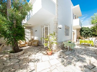 Villa Agri - 100 steps from the sea of Salento, Brindisi airport at 20 km, Specchiolla
