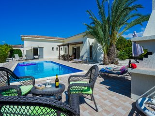 The Winning Post, Sea Caves - 3 Bedroom Single Storey Villa with Private Pool