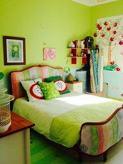 1er étage : chambre sur jardin lit 160x200 / 2 personnes salle de bain partagée