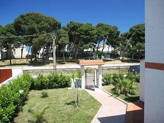 Apartment with english lawn on the way right  - 100 m from the sea - 2 terrace