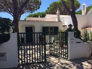 3 BEDROOM VILLA WITH GARDEN IN VALE DO LOBO