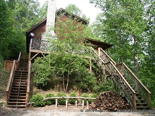 Private Log Cabin*Hot Tub*Walk to River*Fireplace, Banner Elk