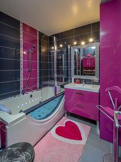 Une Balnéo pour vous relaxer ou la douche pour bien démarrer la journée