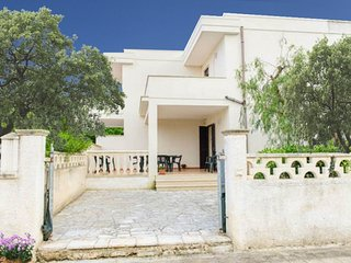 Mezza Luna - rent a property in Puglia at 350 m sandy beach - fenced garden, bbq, Torre Santa Sabina