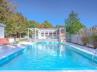 4BR+, 3BA Kennebunkport House with Pool, Hot Tub and Movie Room