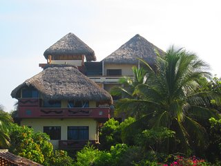 Beautiful Beach house Villa Flores