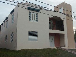 Casa lujosa cerca de Playa Jobos  para 16 personas, Isabela