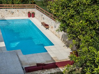 Casa Di Verde - Private pool with Jacuzzi & Gym