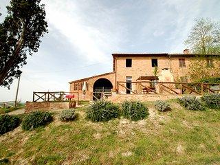 Girasole holiday vacation apartment rental italy, tuscany, near siena, buonconvento, pool, wi-fi, central tuscan location, near f, Buonconvento