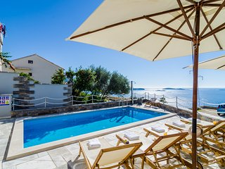 Apartments LaVilla - Standard Two Bedroom Apt with Balcony and Sea View (Crveni)
