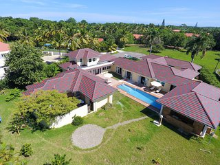 5 Bedroom Luxury Villa Sea Horse Ranch