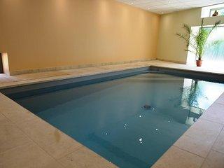 Gite du chateau avec piscine interieure
