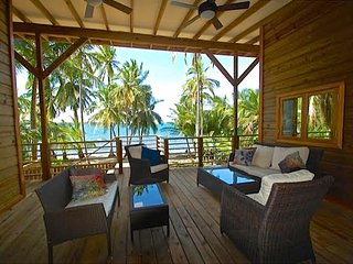 NEW! Oceanfront 2BR Bastimentos House w/ Deck!