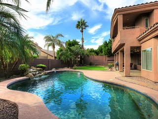 LARGE PRIVATE 5BR HOME w/ POOL, JACUZZI, OFFICE..., Phoenix