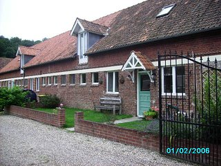 The Longhouse holiday accommodation / b&b between hesdin and montreuil sur mer