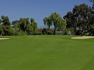 Enjoy Golf Course View, Close to beach, San Clemente