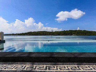 King Bed Room with Sea Views and pool, Nusa Lembongan