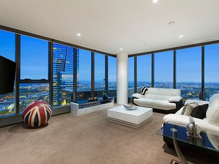 """THE LONDONER"" PENTHOUSE 3 BRM at FRESHWATER PLACE, Melbourne"