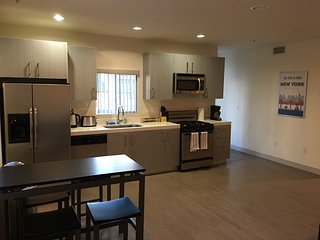 2 bed 2 bath in heart of LA-Culver City, Lucerne