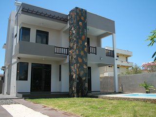 Luxury villa with private pool 500 mts from Beach