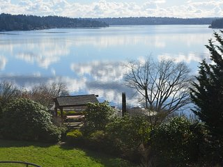 Stunning Lake View Suite btw Seattle & Eastside, Mercer Island